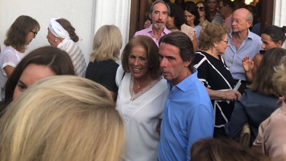 Aznar y Botella, en el último adiós de Marbella a Arturo Fernández