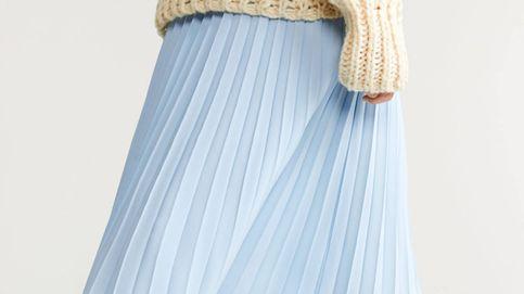 Plisada, midi y azul pastel: así es la falda de Mango Outlet que tu armario se merece