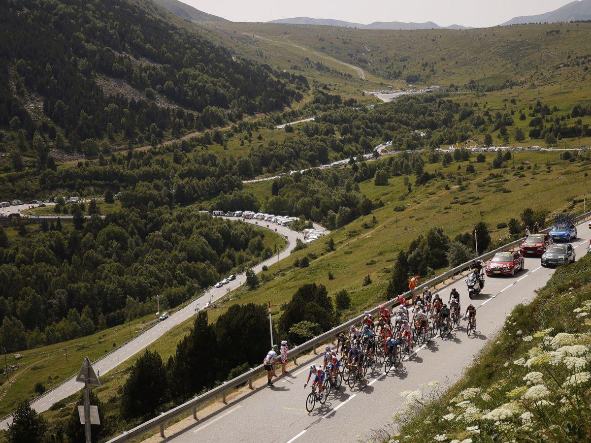 Foto: Las montañas del Principado fueron testigo de la etapa. (Reuters)