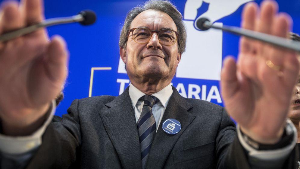 Foto: El expresidente Artur Mas, durante la rueda de prensa ofrecida este lunes. (EFE)