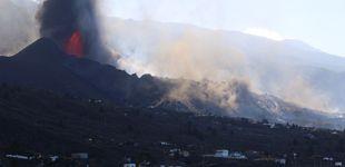 Post de Se rompe el cono del volcán de La Palma y una colada de lava circula hacia el mar
