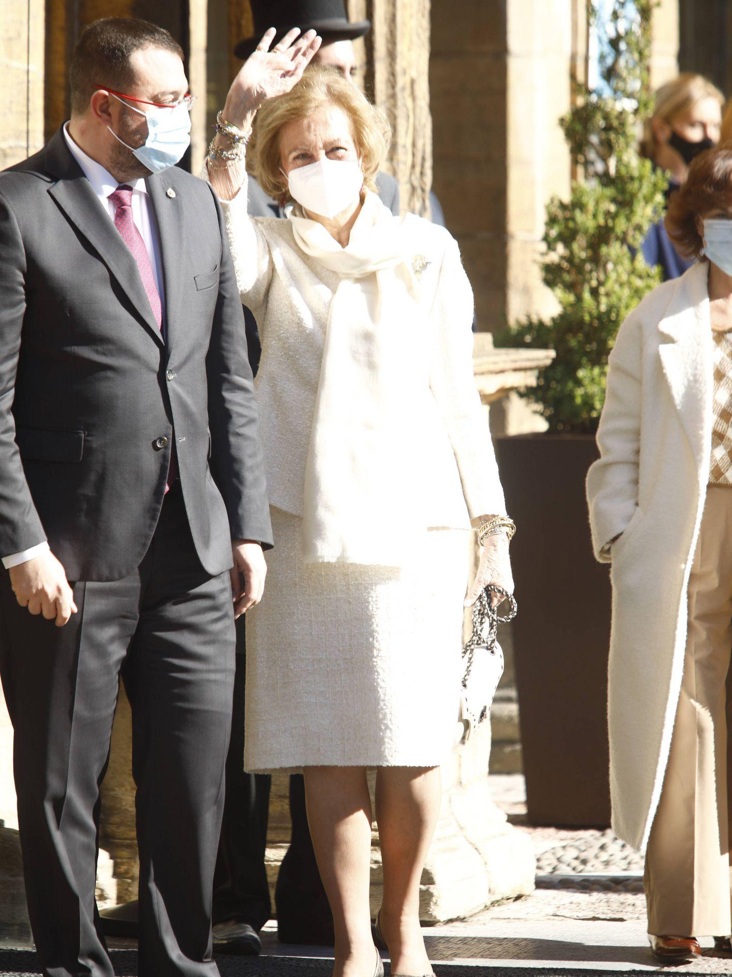 La reina Sofía, a su llegada al hotel Reconquista. (Limited Pictures)