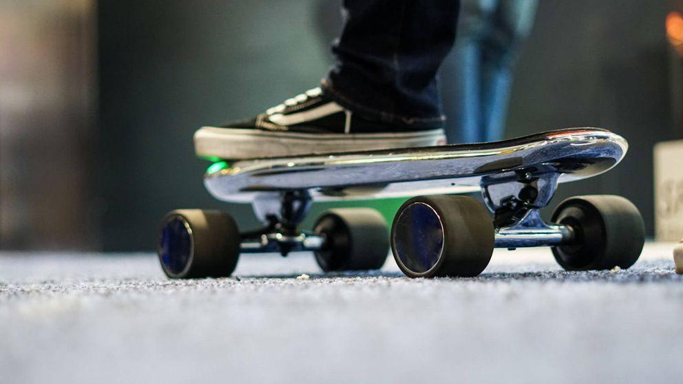 ¿Cansado de los patinetes en las aceras? Ahora llegan los 'skates' eléctricos compartidos