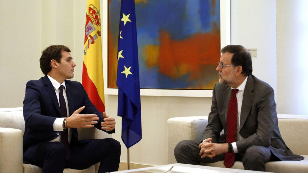 Foto: El líder de Ciudadanos, Albert Rivera, y el presidente del Gobierno en funciones, Mariano Rajoy (Efe)