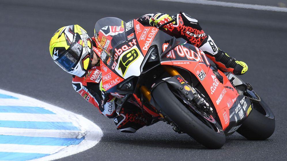 Foto: Álvaro Bautista no dio opción a sus rivales en su debut en Superbikes. (EFE)