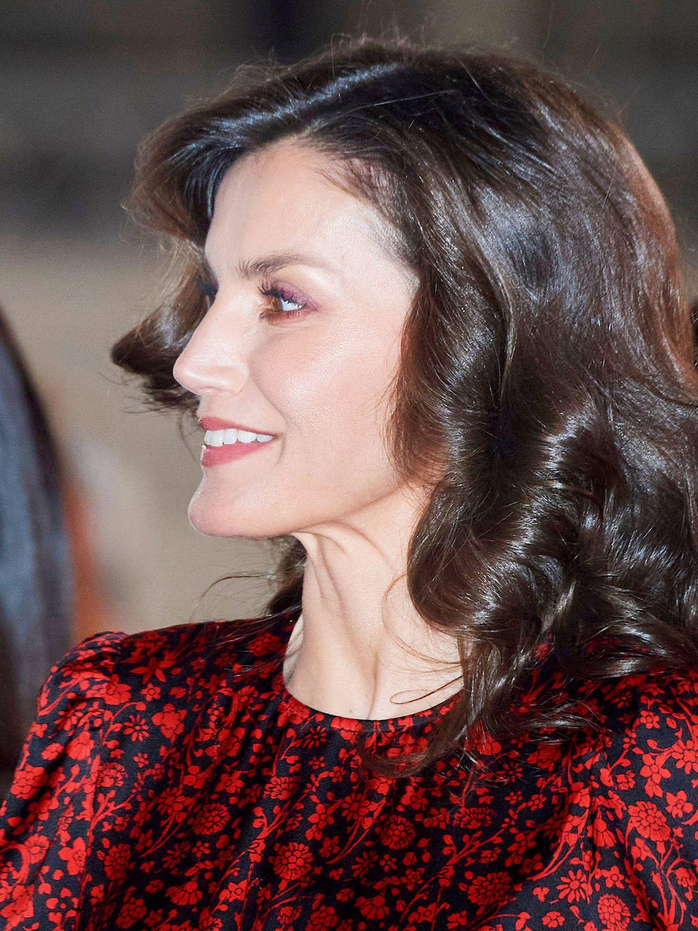 Detalle lateral del maquillaje de la reina Letizia en su visita a ARCO. (Limited Pictures)