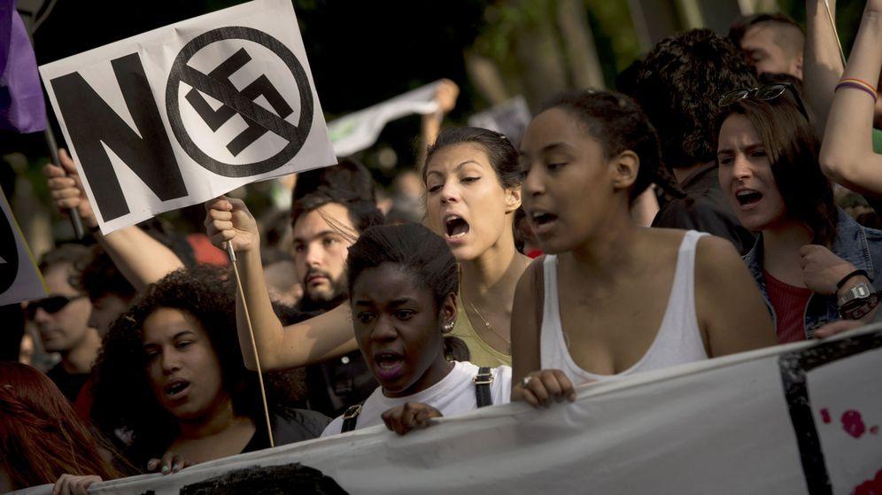 Foto: Manifestación contra el fascismo, el racismo, el machismo y toda forma de discriminación, en 2016. (EFE)