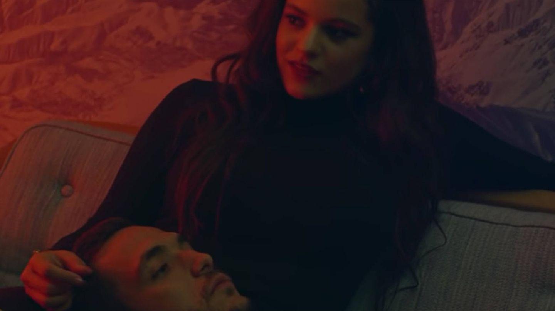 Rosalía y C. Tangana, en el videoclip de 'Antes de morirme'. (YouTube)
