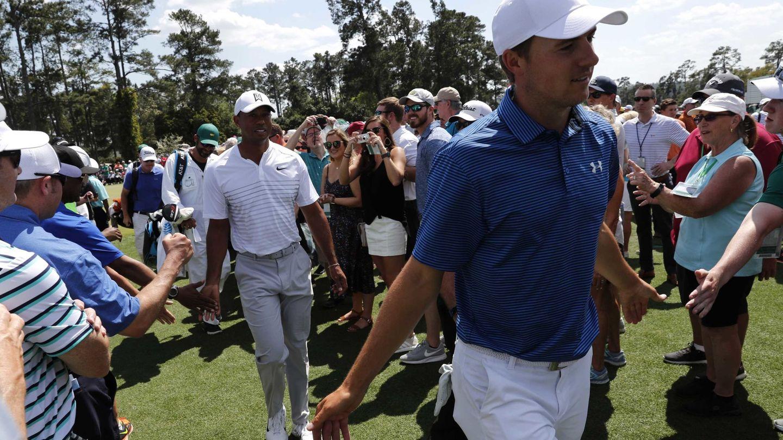 Jordan Spieth y Tiger Woods. (EFE)