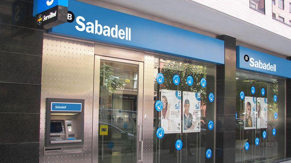 Moisés El-Mann saca a bolsa las oficinas del Sabadell tras fracasar en su venta