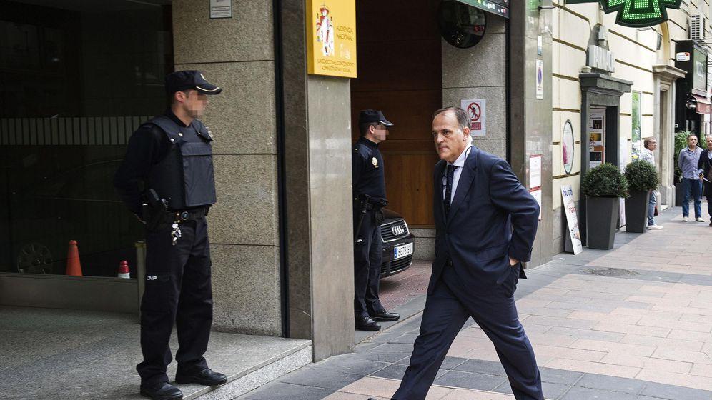 Foto: Tebas, llegando el pasado jueves a la Audiencia Nacional (EFE)