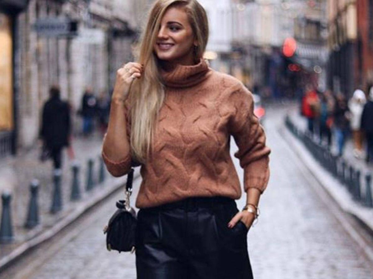 Foto: La influencer francesa sabe que un pantalón negro siempre es una gran elección. (Instagram @jessmeupblog)