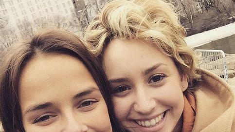 La foto de la polémica: una sobrina de Alberto posa con su hija ilegítima