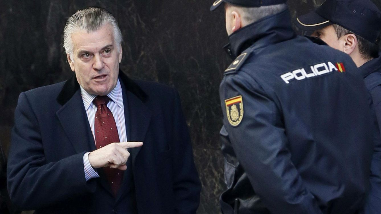 Foto: El extesorero del PP Luis Bárcenas, a su llegada a la Audiencia Nacional. (EFE)