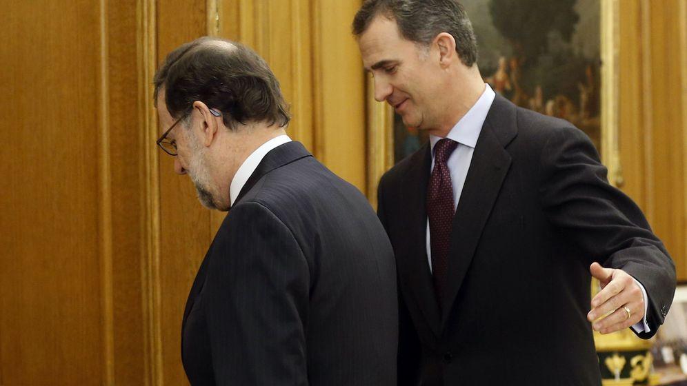 Foto: El rey Felipe VI recibe en audiencia en el Palacio de la Zarzuela al líder del PP, Mariano Rajoy. (EFE)