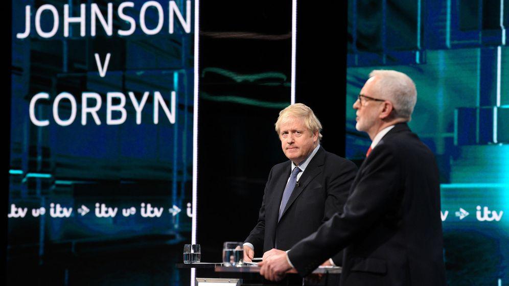 Foto: Boris Johnson y Jeremy Corbyn en un momento del debate. (Reuters)