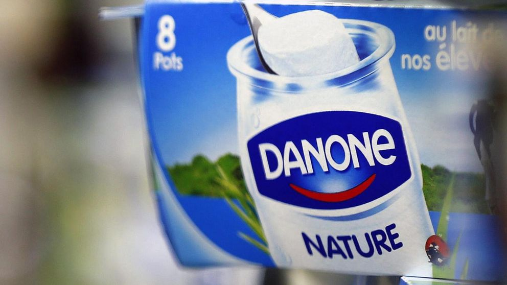 Danone se compromete a reducir sus emisiones de CO2 en un 50%