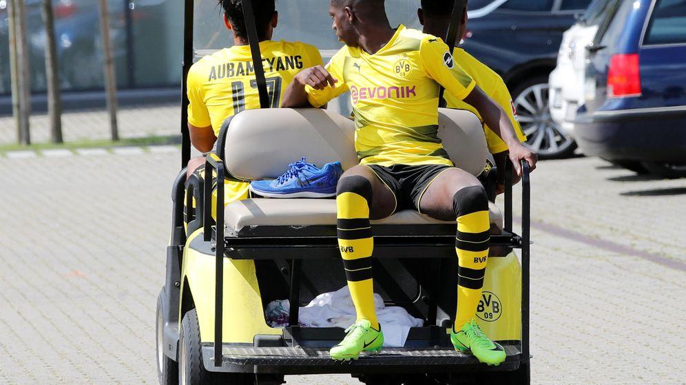Foto: El jugador del Borussia Dortmund, Ousmane Dembelé, ayer tras la foto oficial del equipo. (Reuters)