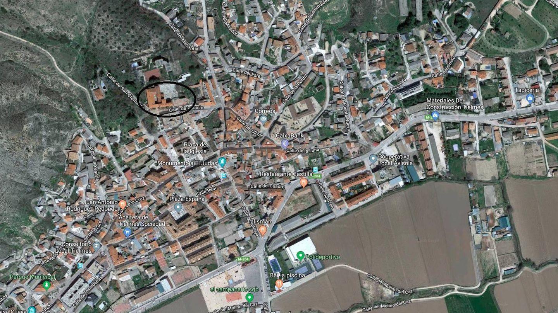 En un círculo, ubicación de los dos edificios en el municipio de Tielmes.