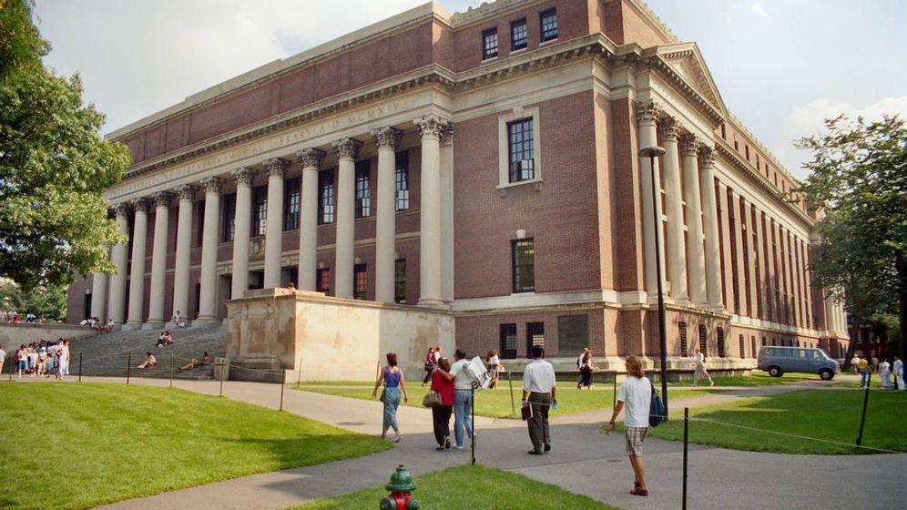 Foto: La librería Widener, de la Universidad de Harvard. (CC/Will Hart)