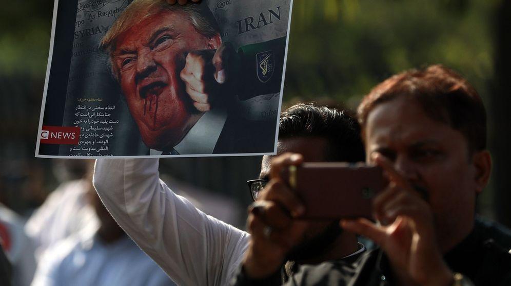 Foto: Manifestantes protestan contra la escalada de violencia entre Estados Unidos e Irán, en la India. (EFE)