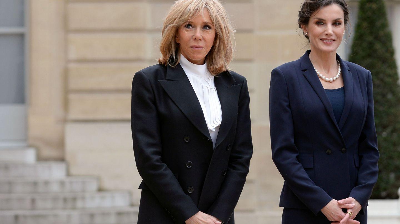 Brigitte Macron y la reina Letizia, días antes de que se decretase el estado de alarma. (Reuters)