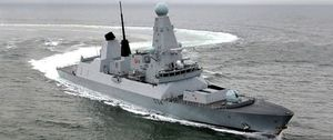 """Escalada en Gibraltar: Londres califica de """"acto de guerra"""" las incursiones de la Armada española"""