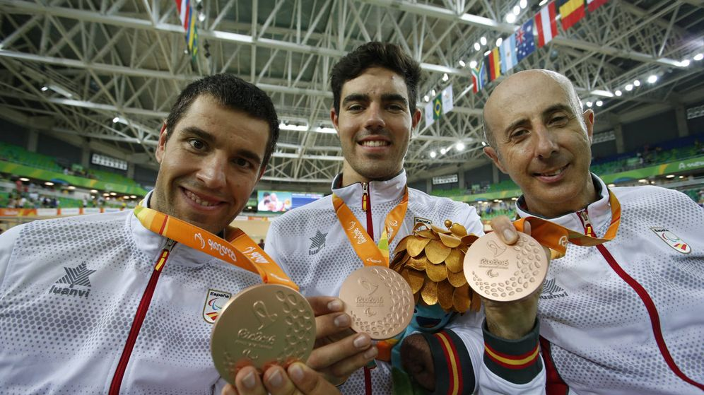 Foto: Medalla de bronce en ciclismo por equipos velocidad (Foto: CPE)