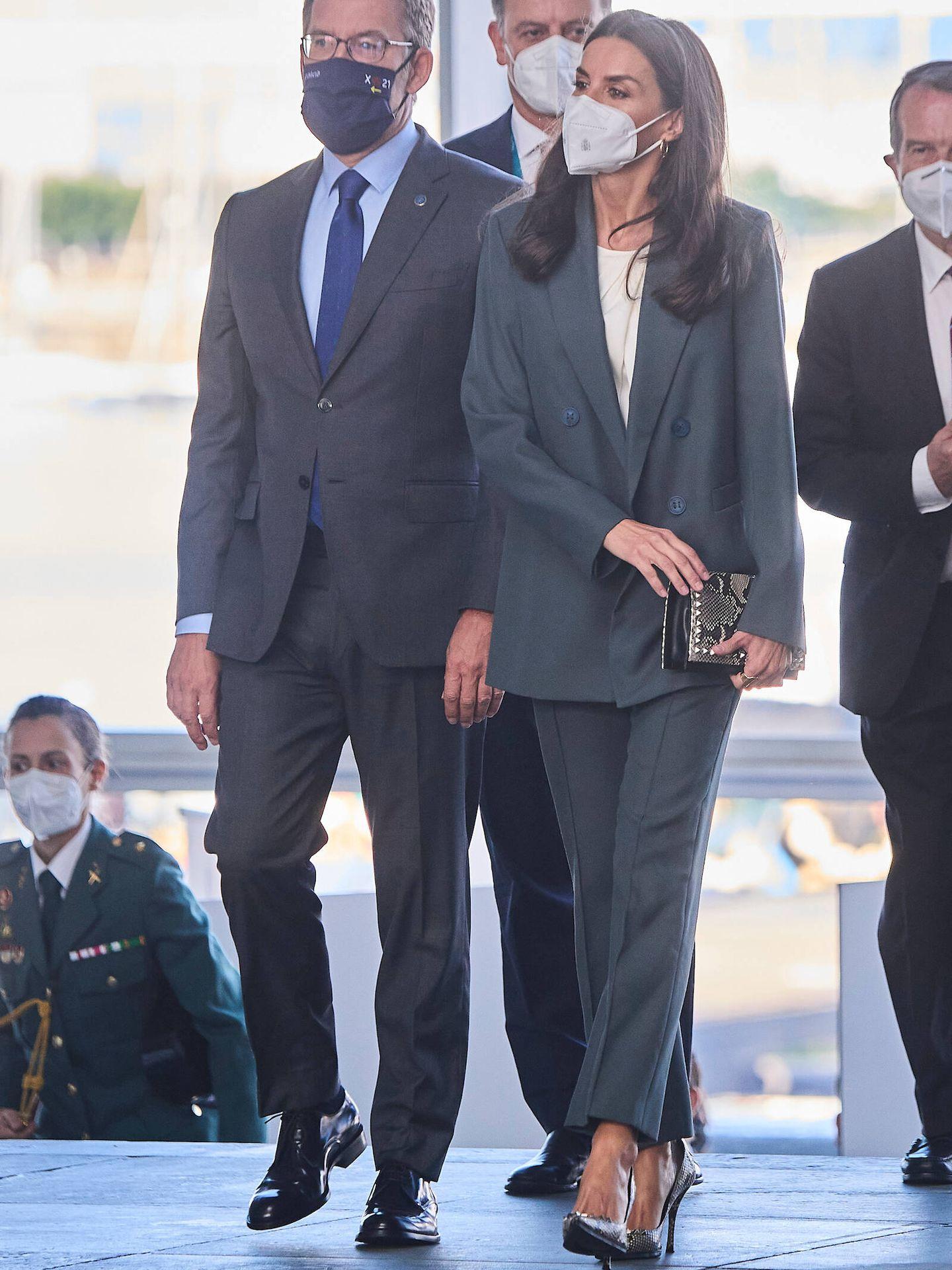 La Reina, a su llegada al congreso. (LP)