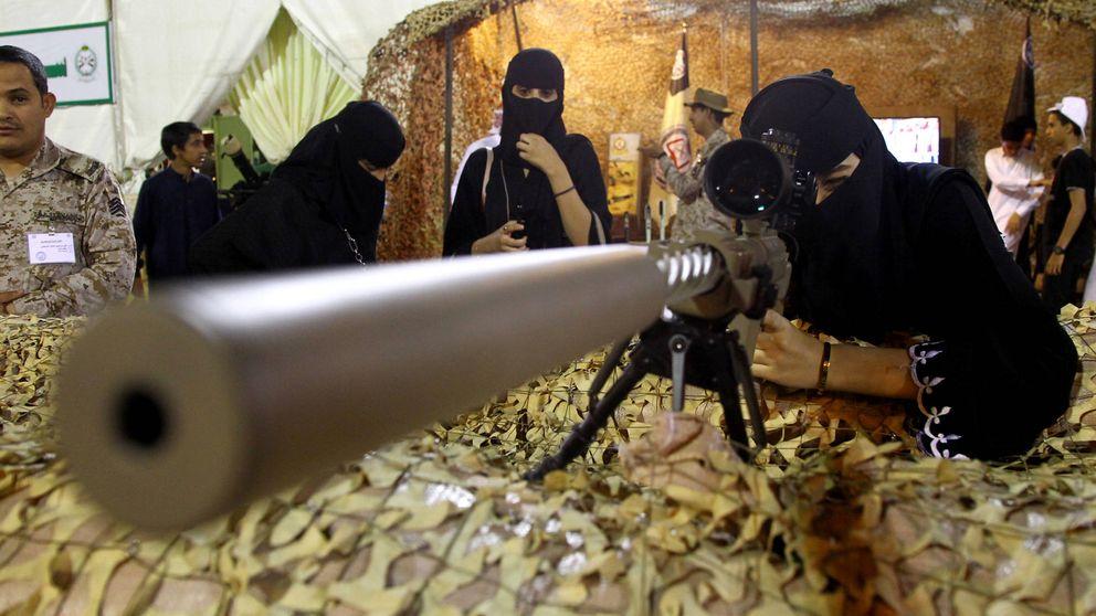 Arabia Saudí abre las puertas del Ejército a las mujeres (con permiso de su 'guardián')
