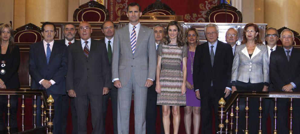 El Príncipe Felipe 'evita' a Anasagasti en el Senado