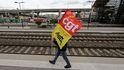 Trenes y vuelos anulados en Francia por la huelga contra la reforma de pensiones