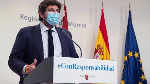 El consejero de Salud de Murcia dimite y López Miras le defiende: Ha sido ejemplar