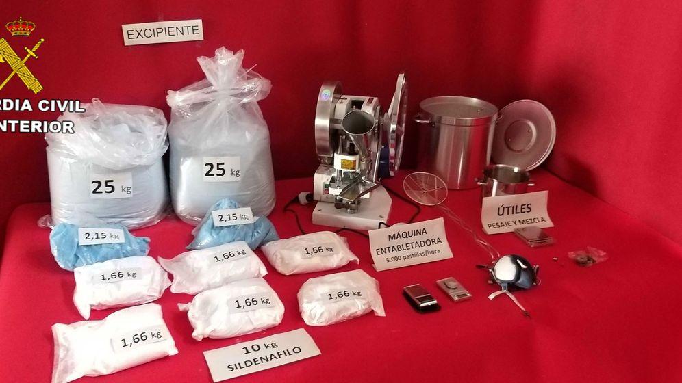 Foto: Hallan un laboratorio ilegal de viagra que hacía 5.000 píldoras a la hora (Guardia Civil)