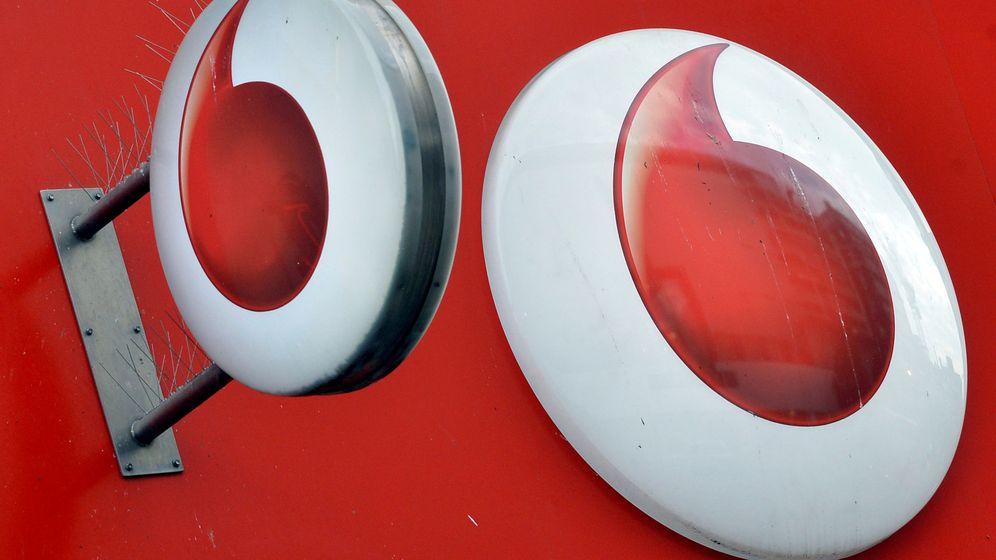 Foto: Un logo de Vodafone en el exterior de una oficina (Reuters)