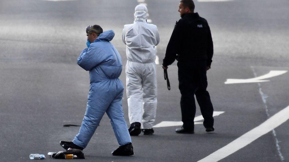 Foto: La policía forense trabaja en la zona. (Reuters)