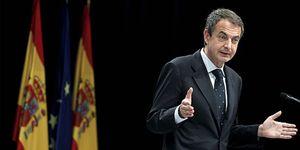 Zapatero pide ayuda a los españoles en la City para calmar los mercados