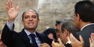 """""""Paco, solo te queda una salida: dimitir"""": así se gestó la dimisión de Camps"""