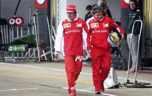 Ferrari se echó la 'siesta' y despertó con Alonso y Raikkonen en la cola