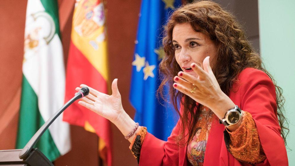 Foto: María Jesús Montero durante su etapa de consejera de Hacienda de Andalucía (Efe)