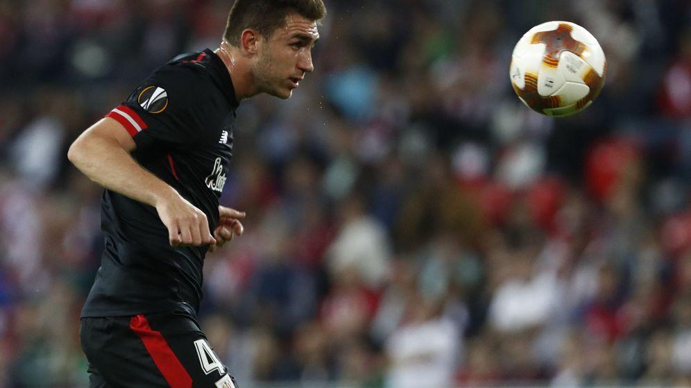 Foto: Aymeric Laporte, durante un partido de la Liga Europa con el Athletic. (Cordon Press)