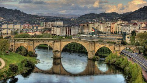 Cazan a una mujer conduciendo borracha y a dos ruedas por el centro de Ourense