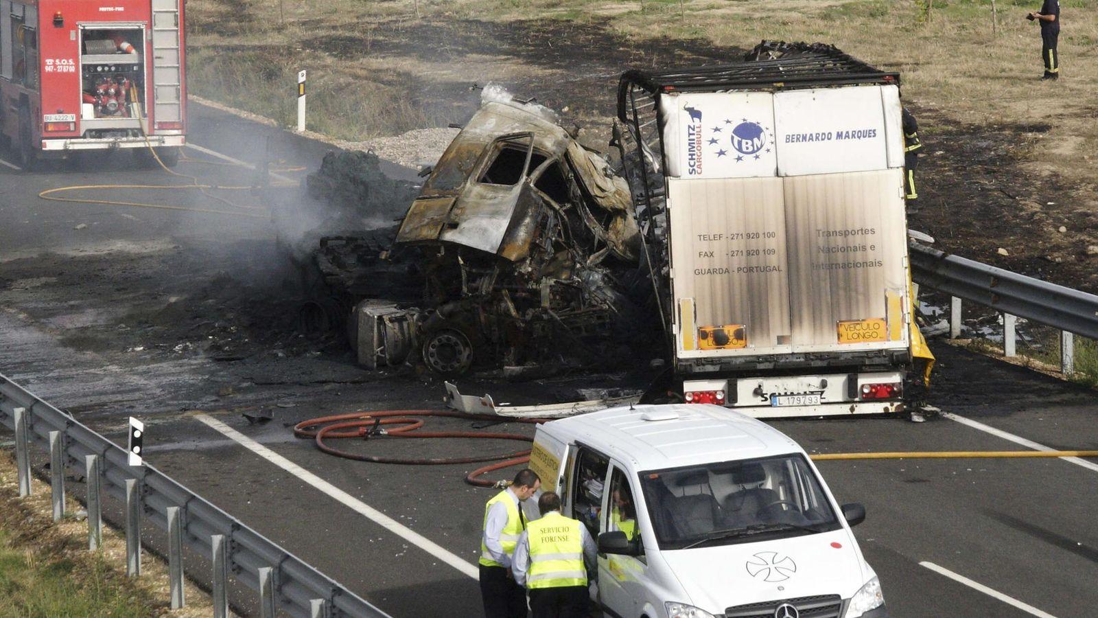 Foto: imagen de archivo de un accidente en la N-1. (EFE)