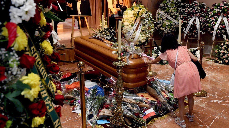 Una imagen de la capilla ardiente de Camilo Sesto. (EFE)