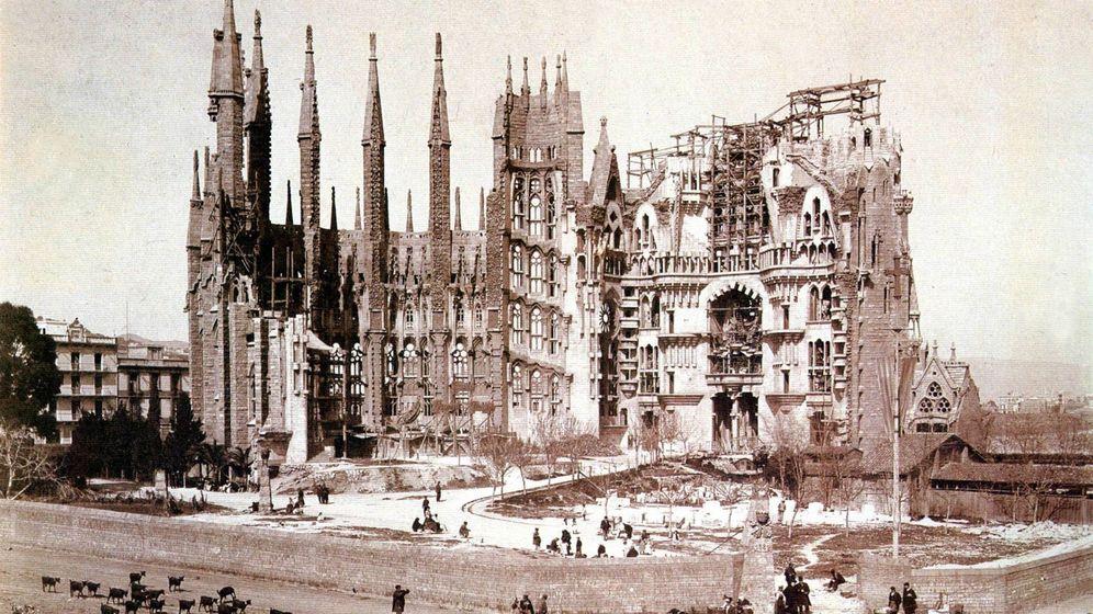 Foto: La Sagrada Familia en 1900. (Cordon Press)