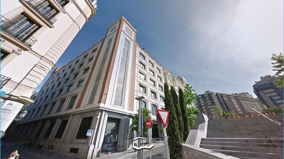 Foto: Edificio vendido por Telefónica en la Plaza de Santo Domingo.