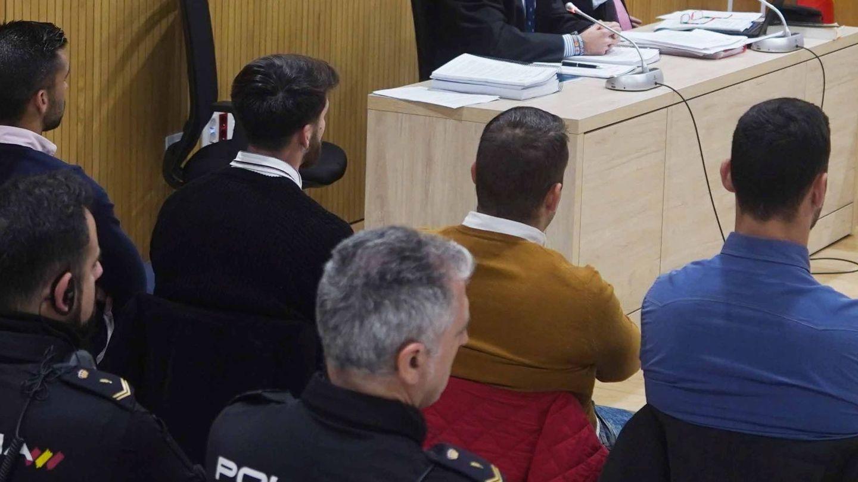 Los acusados durante el juicio. (EFE)