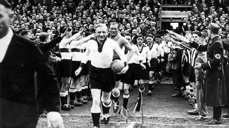 De los jugadores-actores de Franco a la pasión de Mussolini: fútbol y fascismo
