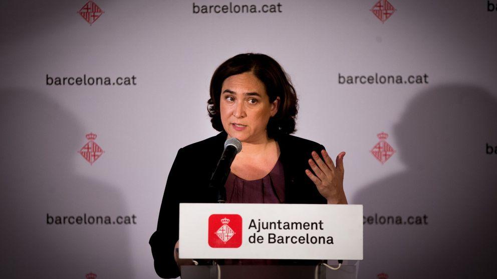 Colau acuerda con Sánchez reunir la comisión bilateral Estado-Barcelona