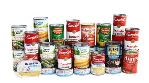 El riesgo para tu salud que tiene comer alimentos en lata